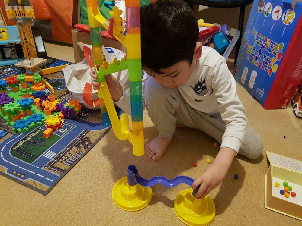 知育玩具 おもちゃ くるくるスロープ